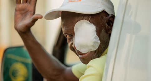 عمليات العيون للمحتاجين