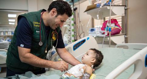 عمليات القلب الجراحية للأطفال المحتاجين